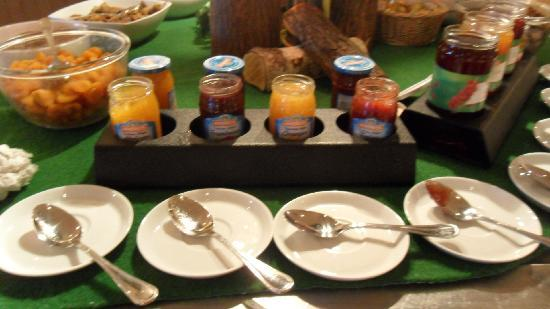 Avoriaz, France : confiture industriel