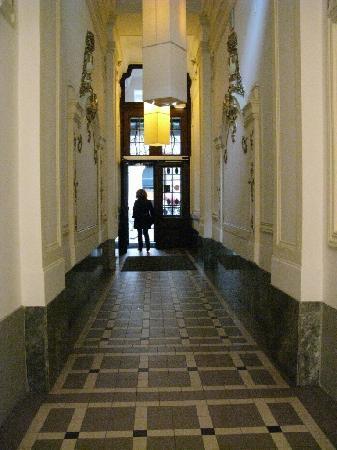 Hotel Rathaus Wein & Design : Eingangskorridor