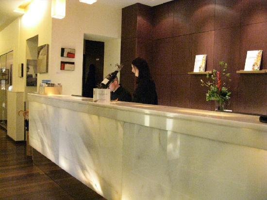 Hotel Rathaus Wein & Design : Rezeption