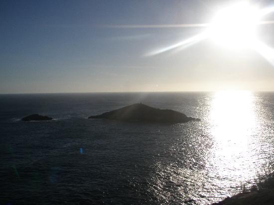Pousada Canto da Baleia: Pôr do Sol no Pontal do Atalaia é belíssimo