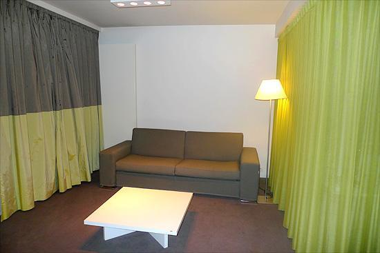Parkhotel Roeselare : The sitting area in our room