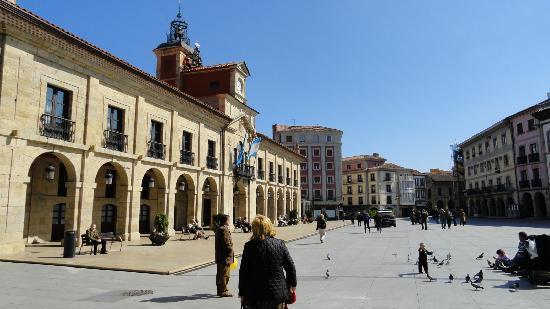 Aviles, Spain: Plaza del Ayuntamiento de Avilés