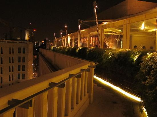Mamilla Hotel : bar on the rooftop