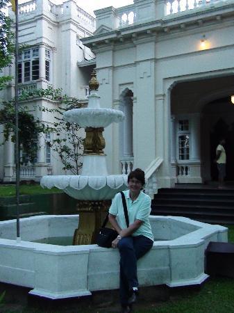 The Mansion: ingresso dell'hotel