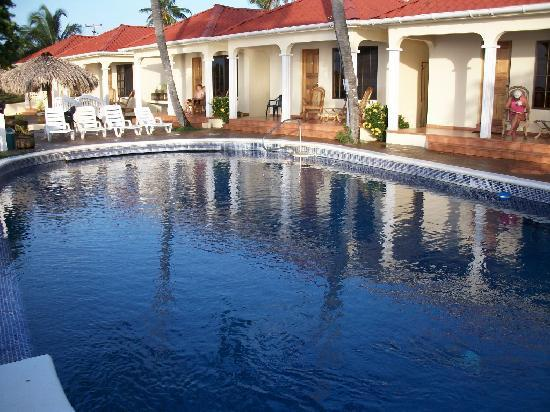 Beautiful infinity pool at Casa Canada