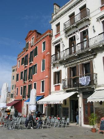 La Rosa dei Venti B&B: Our balcony on second floor of white building