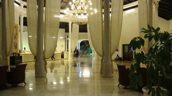 Cofresi Palm Beach & Spa Resort: le lobbye magnifique!