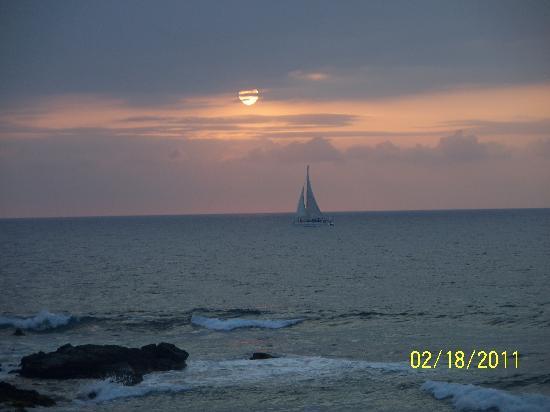 Hilton Waikoloa Village: Sunset at KPC Restaurant