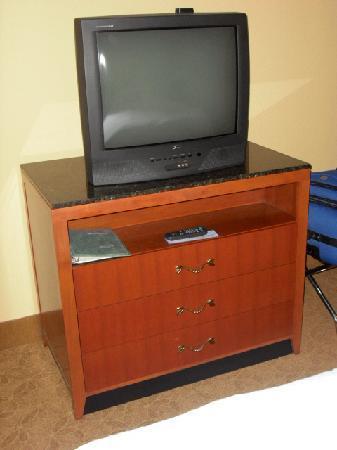 Hilton Garden Inn Cincinnati/Sharonville: Standard TV