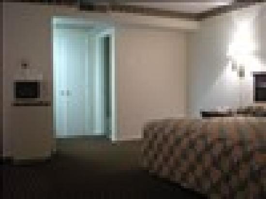 Granbury Inn & Suites: Texas Size King