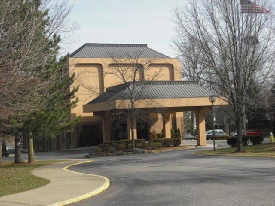 Hampton Inn Cleveland Westlake: Exterior