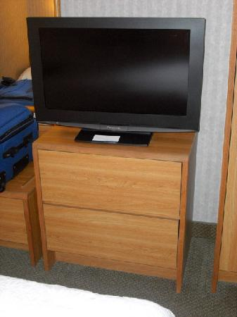 Hampton Inn Cleveland Westlake: Flat screen TV