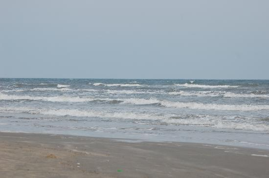 Surf Burgers >> Rolling surf on relaxing Jamaica Beach - Picture of Jamaica Beach, Galveston Island - TripAdvisor