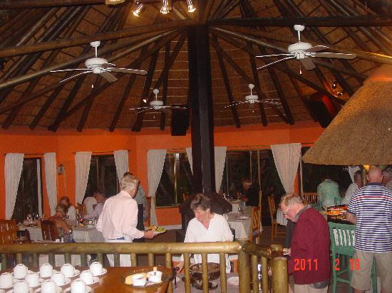 Sandals Guest House: Cozy Evening Meal