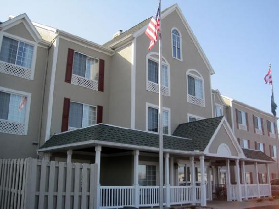 Country Inn & Suites By Carlson, Toledo: Outside view