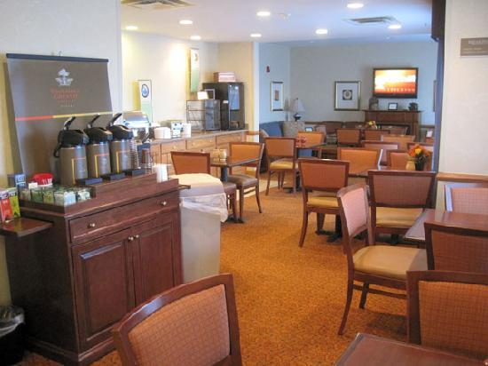 Country Inn & Suites by Radisson, Toledo, OH: Breakfast area