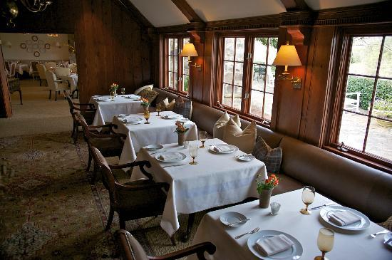 Blackberry Farm : the mainhouse dining room