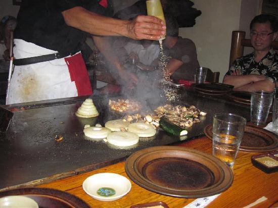 Kobe' Japanese Steak House : Food prep
