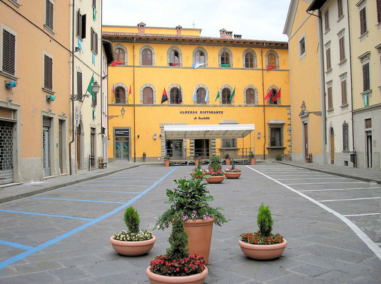 Piazza Scalelle di Marradi vicino al ristorante