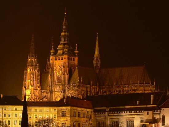 Cathédrale Saint-Guy (Chram svateho Vita) : St. Vitus Cathedral by night
