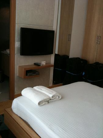 Corus Hotel: Room 201, view 2