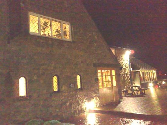 Pentraeth, UK : Tavern 1924 - Red Wharf Bay @ Night