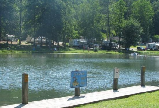 Hidden Creek Camping Resort: Lake