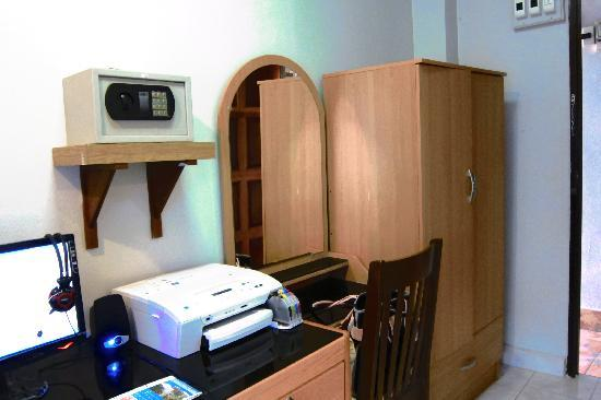Lamai Apartment: fairly spacious
