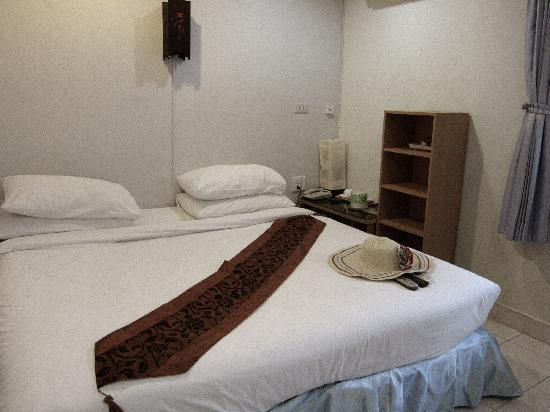 Lamai Apartment: bed is a tad too soft