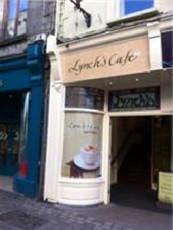 Lynchs Cafe: Entrance