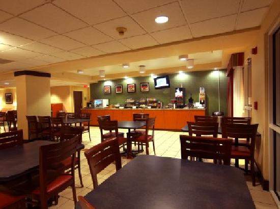 Fairfield Inn Owensboro: Start your day the right way with a fresh hot breakfast.