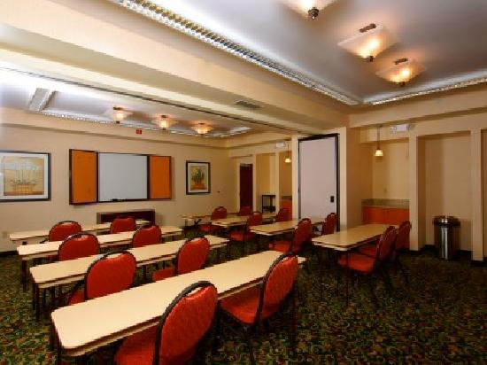 Fairfield Inn Owensboro: Our hotel offers flexible meeting space for your groups or functions at a reasonable cost.