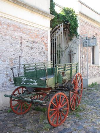 Colonia del Sacramento, Uruguay: La mejor forma de transportarse en Colonia / The best transportation in Colonia
