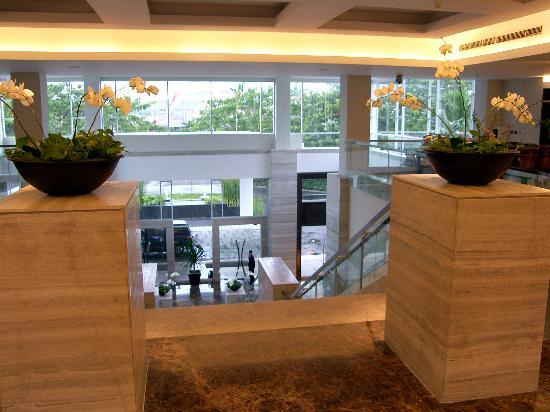 Hotel Santika Premiere Slipi: Santika - Eingang