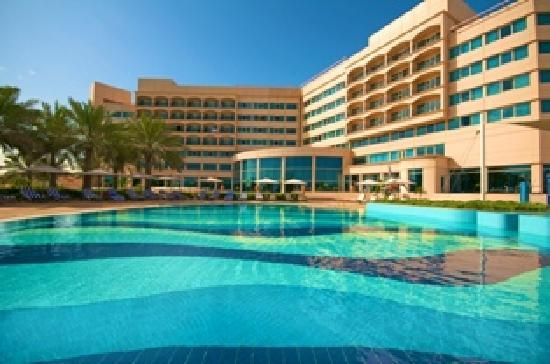 Danat Jebel Dhanna Resort: Danat Swimming Pool