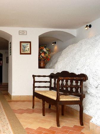 Hotel Arco de la Villa: Interior