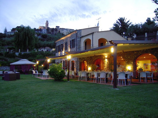 Sottovento: B&B and Restaurant