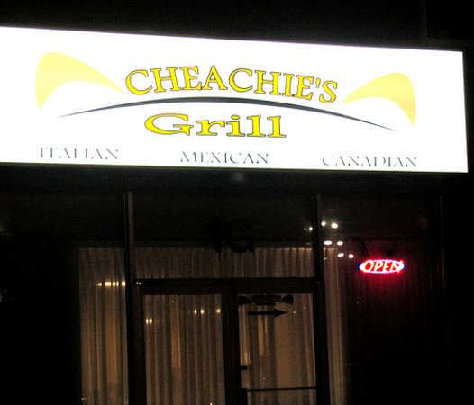 Cheachie's Grill: Outdoor sign