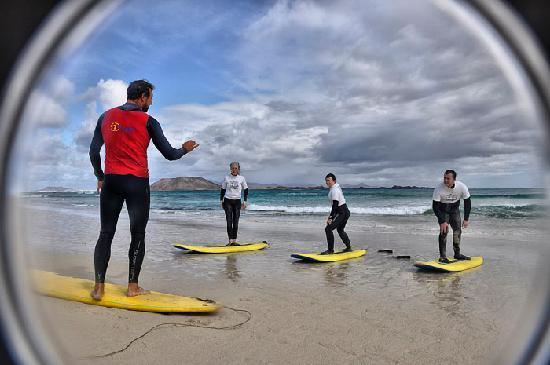 7 Island Surf School : Surf Coaching on the beach