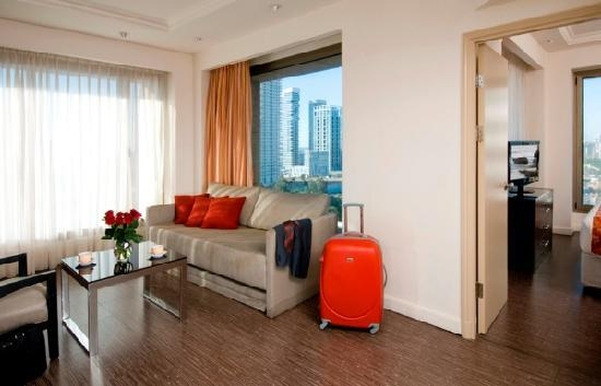 Leonardo City Tower Hotel: Junior Suite