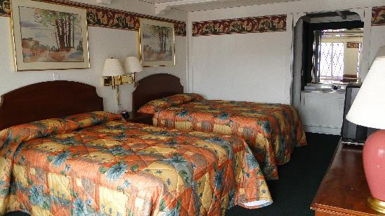 Tallyho-tel: Deluxe Room with 2 Double Beds