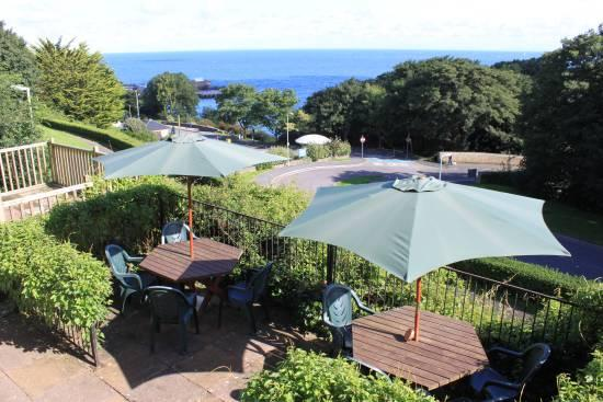 The Collingdale Guest House: Sun Terrace overlooking the harbour