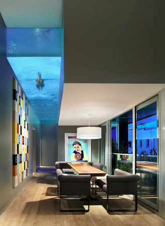 The Keefer Suites: Penthouse dining room & pool
