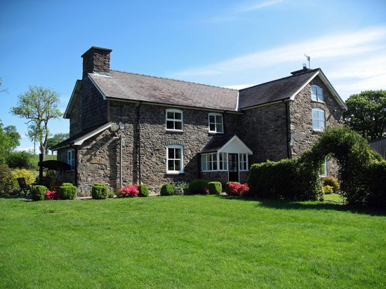 Gwaenynog Farmhouse B&B