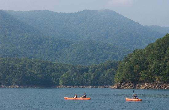 Fontana Village Resort: Fontana Lake In The Great Smoky Mountains