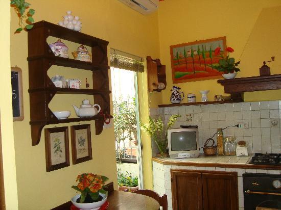 B&B Tre Gigli Firenze: cucina 2