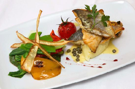 Cafe Sol Bistro: Pan seared fillet of seabass