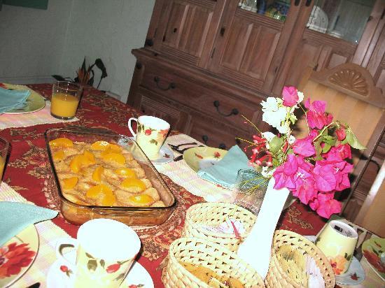Carringtons Inn St. Croix: Breakfast at Carringtons Inn