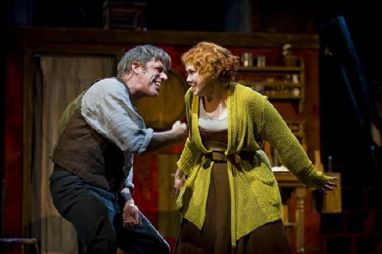 "พิตต์สฟิลด์, แมสซาชูเซตส์: Jeff McCarthy and Harriet Harris in ""Sweeney Todd"" (Photo by Kevin Sprague, 2010)"