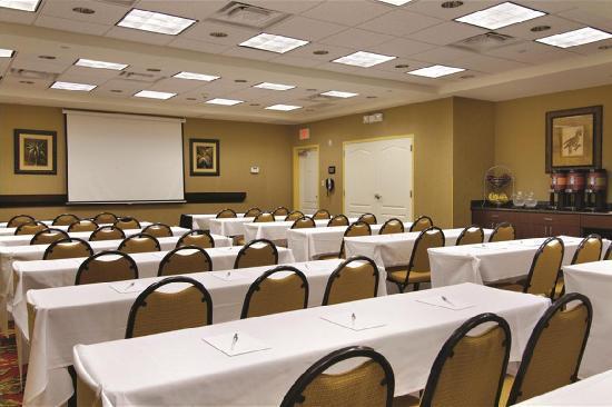 هامبتون إن آند سويتيس تامبا - ويزلي تشابل: Meetings and events large and small can be accomodated.